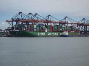 im Containerhafen von Maarsvlakte