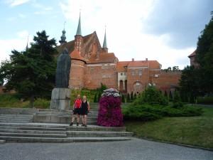 vor der Domburg zu Frombork