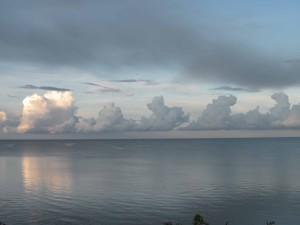 Wolken über dem Peipus-See