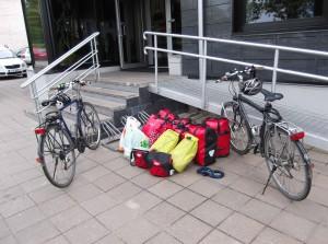 unsere Räder mit Gepäckhaufen