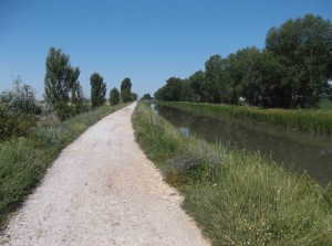 5 km am Kanal entlang