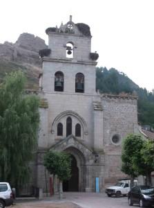 Kirche in Belorado mit Storchennester