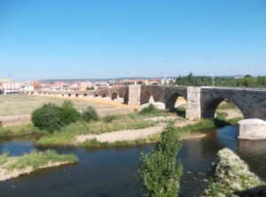 lange Pilgerbrücke von Hospital de Orbigo